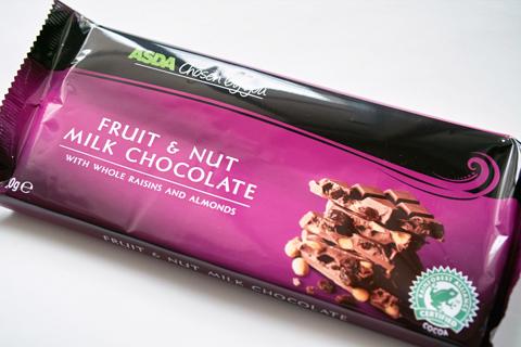 ASDA;アズダチョコレート(フルーツ&ナッツ)