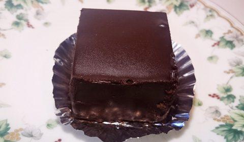 グーテ・ド・ママン;チョコレートケーキ