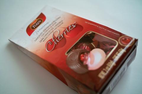 チューリン;チェリー&リカー入りチョコレート