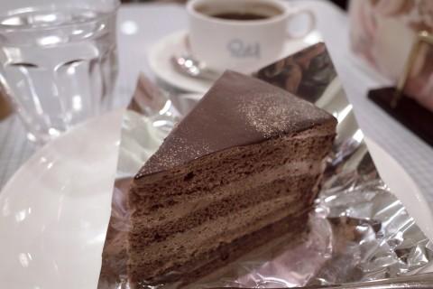 パステルのチョコレートケーキ