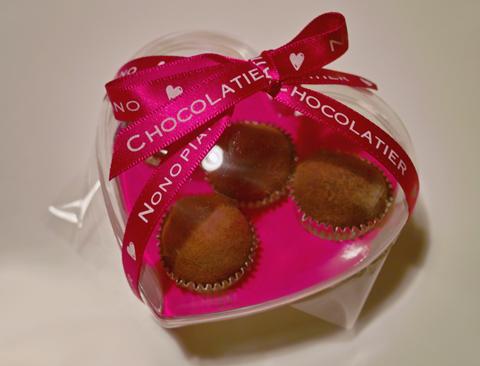 アィノノピアーノ ショコラティエのドンペリトリュフ生チョコレート