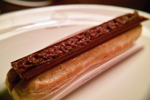 ピエール マルコリーニのエクレア チョコレート