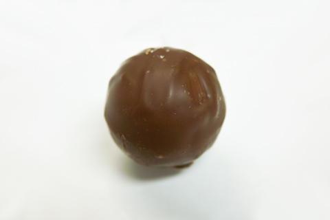 オーバーバイスのミルクチョコレートトリュフ