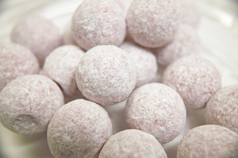 プレスタ(PRESTAT)のシャンパントリュフ(PINK MARC de CHANPAGNE CHOCOLATE TRUFFLES)