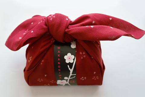 芥川製菓の和歌の庭